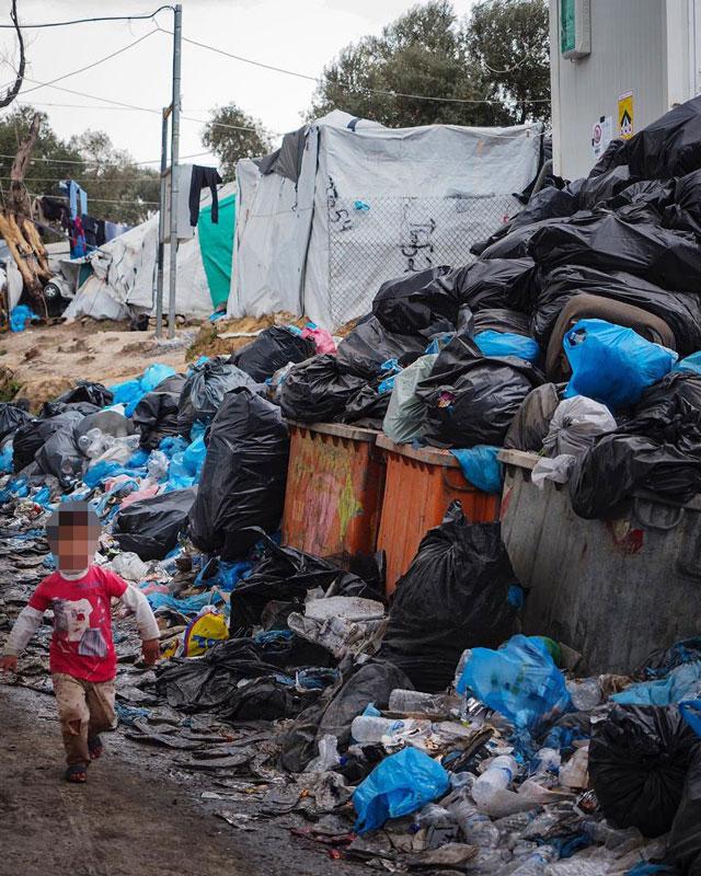 Ζωή στα Σκουπίδια - Ζωή των Σκουπιδιών