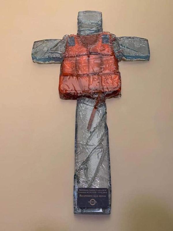 Crucified life-jacket